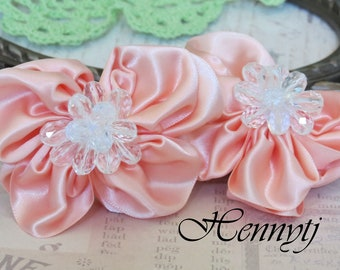Brand new: 2 pcs RossAnn Silk Fabric Butterfly Flowers Millinery with Beads Center Bridal Sashes, Fascinator or Hat Design Appliques - Peach