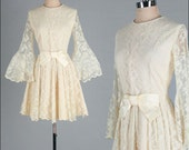 Vintage 1960s Dress . Ivory Lace . Bell Sleeves . Bow . M/L . 2114