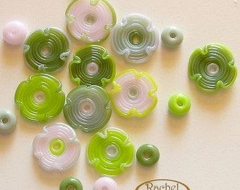 Green and Pink Flower Glass Beads, FREE SHIPPING, Set of Handmade Green and Pink Lampwork Glass Beads, Rachelcartglass