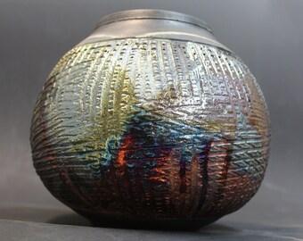Cross Line Texture Raku Pot
