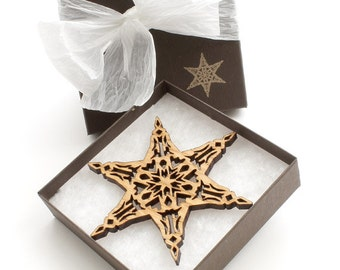Wood Snowflake Christmas Ornament - Holiday Decor 2012 . Timber Green Woods