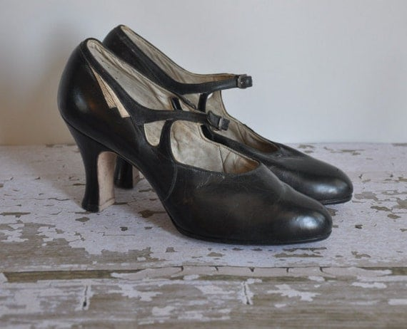 vintage antique rare 1920s Rag Time black leather heels