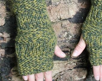 Fingerless gloves, Dark Forest Mittens, green gloves, gift for her, UK