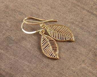 Gold Earrings,Bridesmaid Earrings,Bridal Jewelry,Dangle Earrings,Wedding Earrings,Leaf Earrings,Bridesmaid Gift