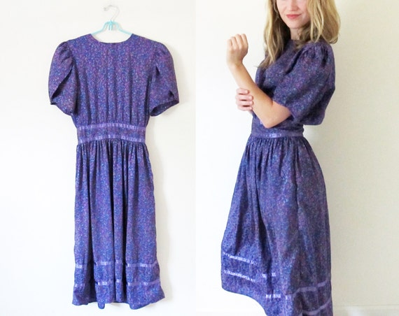 SALE // vintage 1980s dress // neon floral print // romantic // purple // satin trim // tulip sleeves // size small s // medium m
