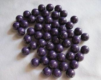 Destash (5067) - Purple colored beads.