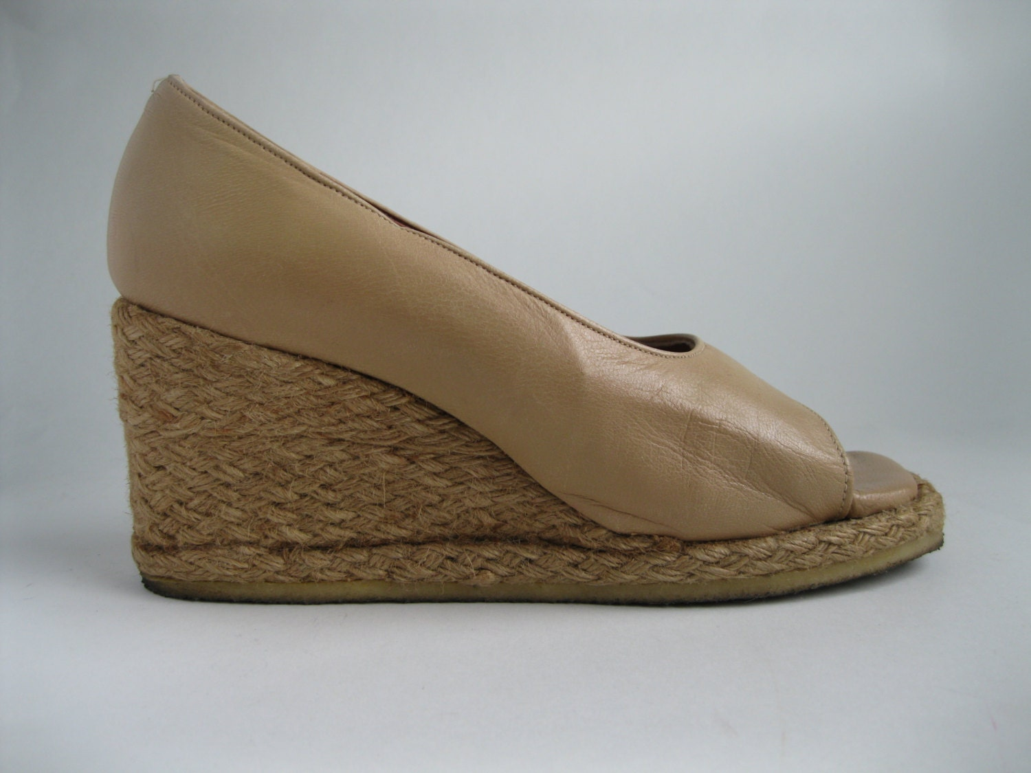 vintage 1970s neutral wedge shoes leather nautical by