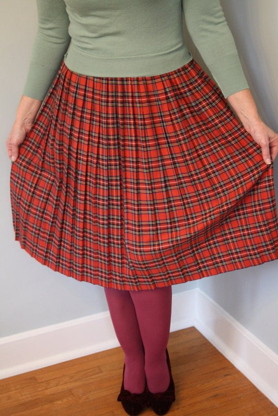 RESERVED FOR BENITA 80s plus size plaid skirt tartan scottish highlander pleated red black fall autumn size xl