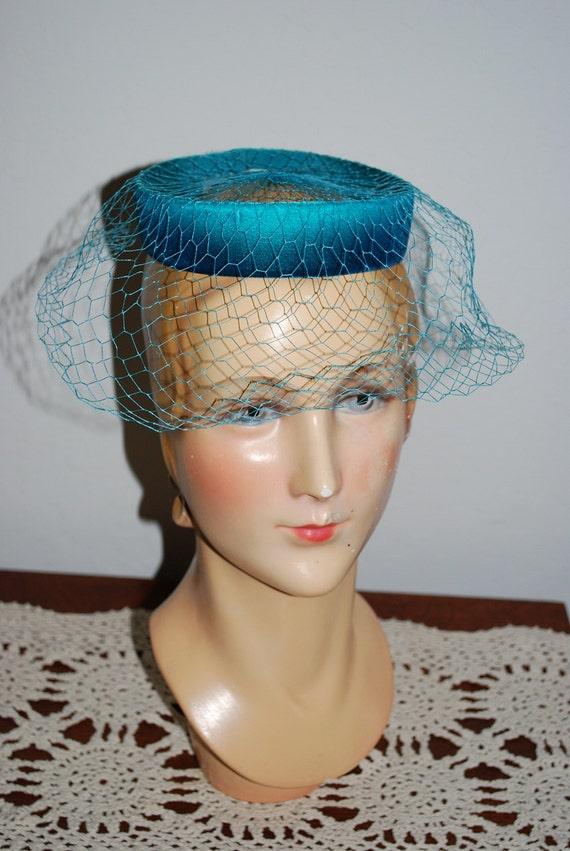 Vintage 1950's Aqua Velvet Pillbox Cocktail Veil Hat