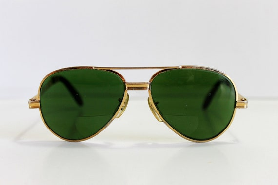 Christmas In July Sale - Vintage 1960s Green Tint Aviator Sunglasses. Mad Men. Boho. Summer.  Camping. Hipster. Size Large