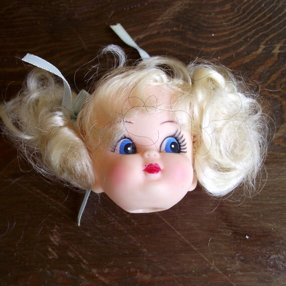 Vintage Doll Head Blond with Blue eyes (11)