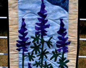 Hyacinth applique quilted wall hanging