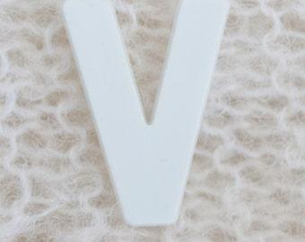 alphabet art photos, Letter V, custom letter art, custom name art, name frame, alphabet letters, family name, personalized name art, sign