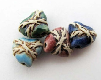 10 Tiny Sacred Heart Beads -ceramic beads - peruvian beads - CB576