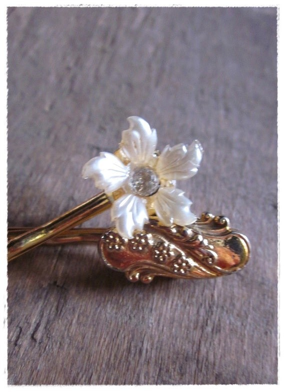 Vintage Floral Bobby Pins, Ivory, Gold, Bridal, Eco Friendly Wedding, Art Nouveau Flower Hair Pins