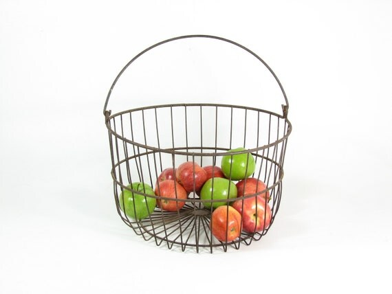 Vintage Egg Basket Metal Wire Tote with Handle