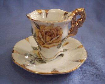 Miniature Tea Cup and Saucer Yellow Roses Retro Collectible Enesco Gold Trim Vintage