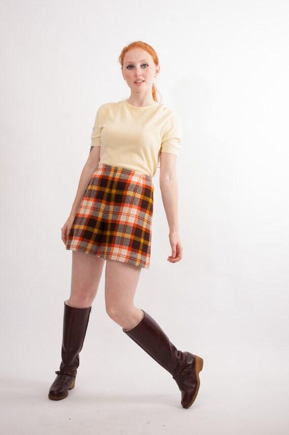 Vintage 1970s Wool Shorts - 70s High Waist Shorts - Autumn Plaid
