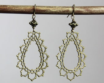 Fancy Border - Intricate Antique Brass Filigree Design Teardrop Earrings - Neutral Lightweight Chic Everyday Dangle Earrings