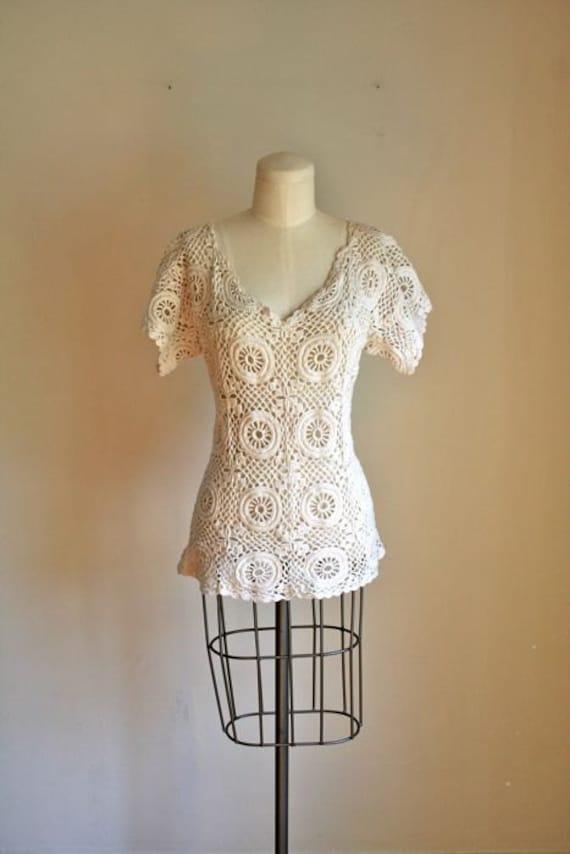 vintage 70s crochet top - DOILY knit lace sweater / S-M