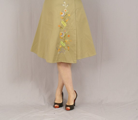 Sale Embroidered Wrap Skirt / Hand Floral Embroidery / Tan with Fall Colors / Handmade Vintage / S Clearance