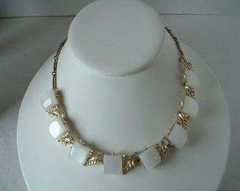 Thermoset Vintage Pearlized White LUCITE Chicklet Thermoset Necklace Beautiful Metalwork