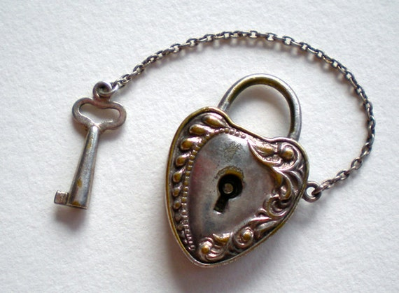 SALE Antique Charm Victorian Heart Lock and Key 1800s
