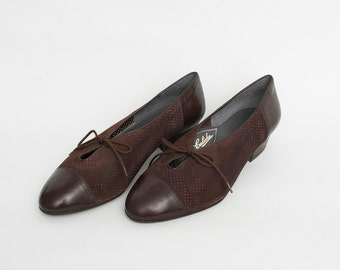 Size 8.5 chocolate brown suede and leather 80s Dead stock Vintage