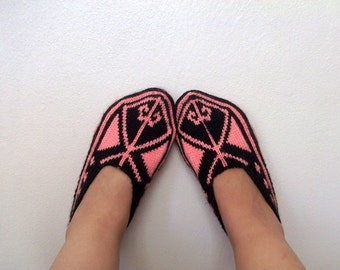 Women house slipper-Hand knit-Adult size-Winter Home Slippers