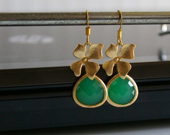 Aunt Gift, Apple Green and Gold Orchid Dangle Earrings - Bridal Earrings, Bridesmaid Earrings, Drop Earrings, Wedding Jewelry, Mother Gift