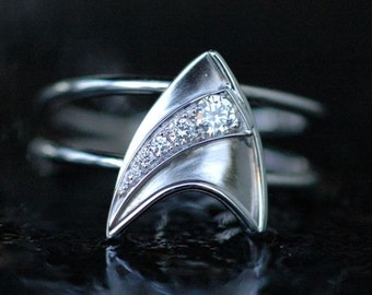 14K White Gold Engagement Ring with 5 Diamonds Star Trek Insignia, Shooting Star Inspired