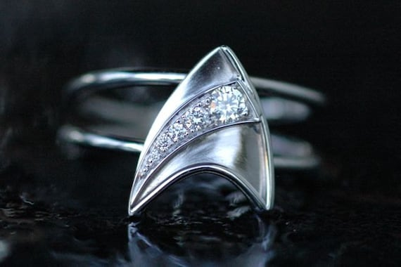 14k white gold engagement ring with 5 diamonds star trek insignia shooting star inspired - Star Trek Wedding Ring