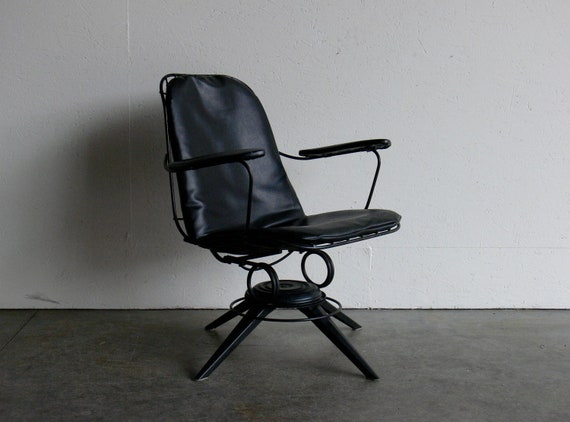 Vintage Mid Century Modern Wire Lounge Chair
