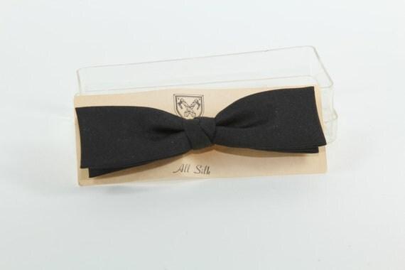 Vintage Black Silk Narrow  Bowtie Clip Style In Plastic Case
