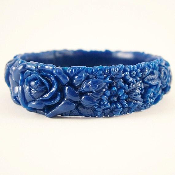 Dark Royal Blue Resin Floral Bracelet