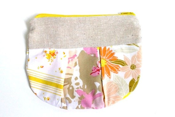 Vintage Zippered Pleated Pouch - Relax