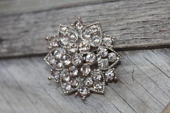 Adorable silver  color    brooch  with rhinestones 1 piece listing