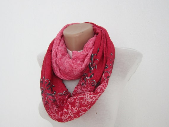 infinity scarf Loop scarf Neckwarmer Necklace scarf Fabric scarf  Red White Black