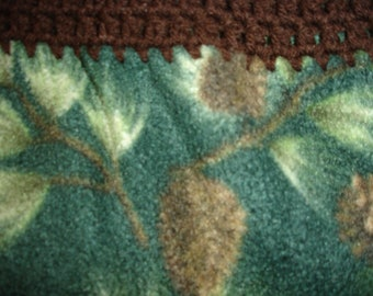 Pine Cone Fleece Throw