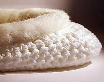 White cocoon Newborn basket Newborn Photo prop Swaddle Sack Crochet Baby Cocoon Photo prop White newborn nest Cocoon ecological Mink