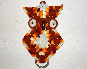 Retro Vintage Crocheted Owl Wall Hanging Pot Holder
