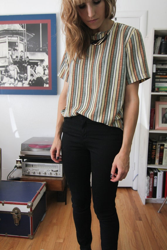 vertical striped polyester tee