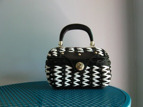chevron basket bag / 60s mod vintage black & white box bag