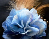 Hair clip with all blue flowers and chestnut feathers