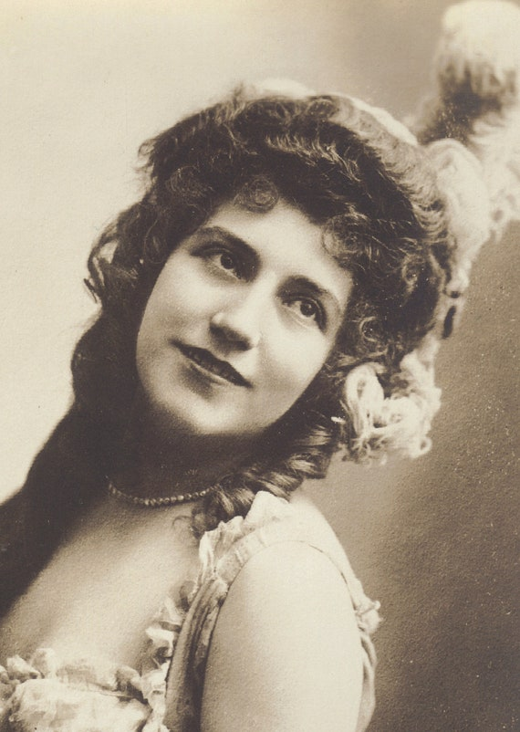 Early 1900s French Dancer Lea Piron by Cliche Boyer and Bert