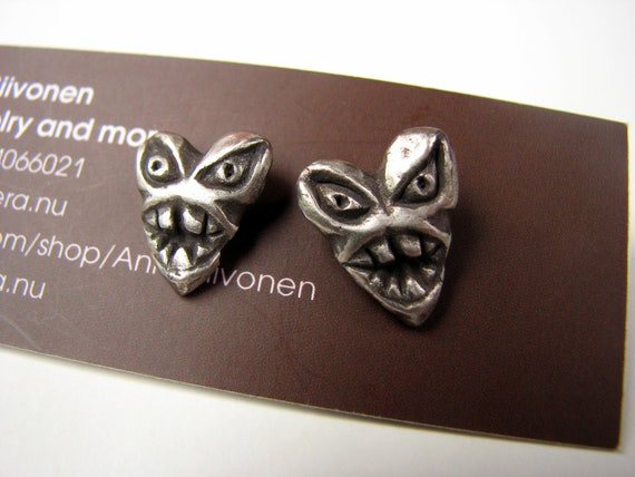Heart earrings monsters white bronze