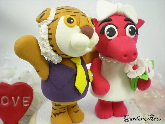 College Mascot Wedding Cake Topper--LSU Tiger & Arkansas Razorback with circle clear base