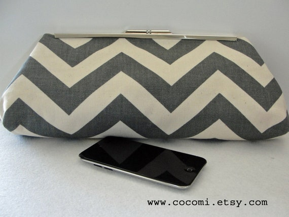 Frame Clutch, Chevron Gray and Cream Large