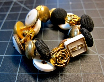 Golden Blossom // Button Bracelet