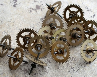 Vintage clock brass gears -- set of 15 -- D3